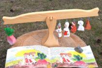 Ridichea Uriasa, figurine din lemn si carte ilustrata